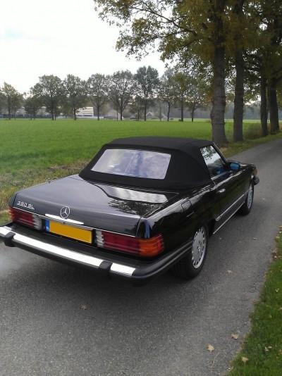MB SL W107 met 1 achterruit